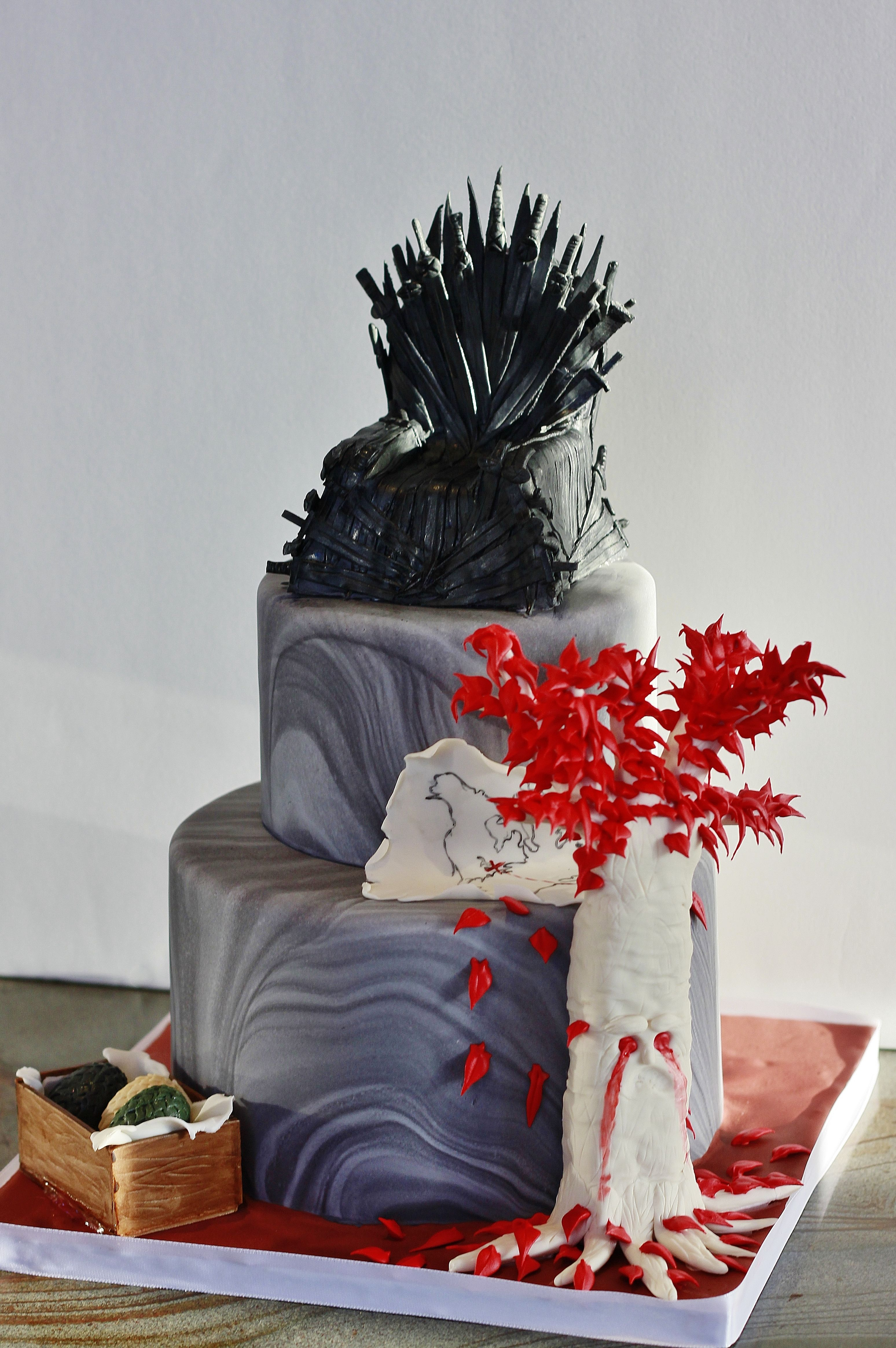 A Cake I Made Game Of Thrones Themed Game Of Thrones Cake Cupcake Cakes Cake