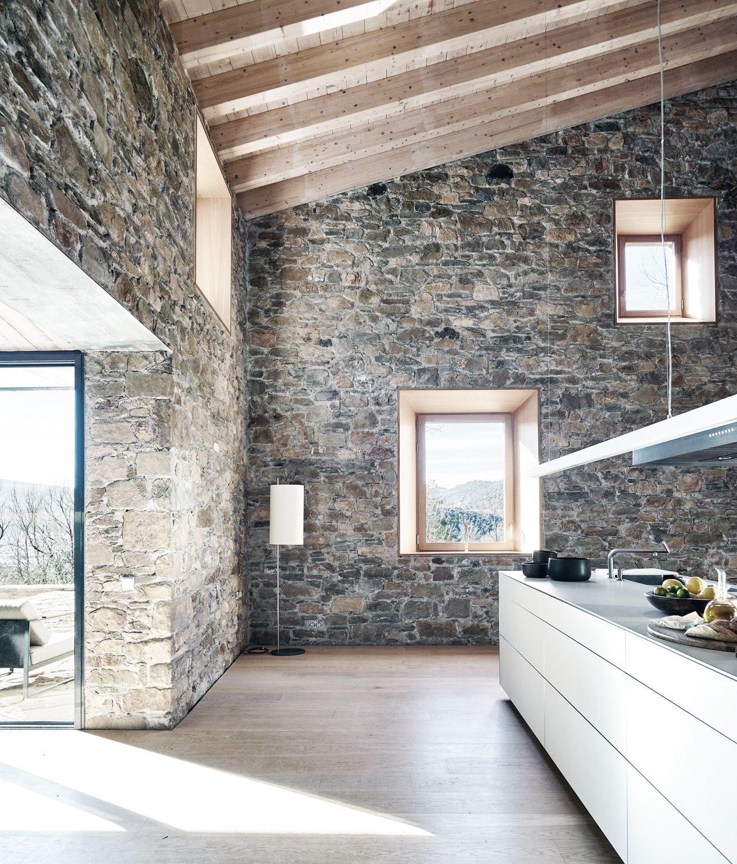 Luxury Farmhouse Interior Design: Can Calau Farmhouse / Amm Arquitectes