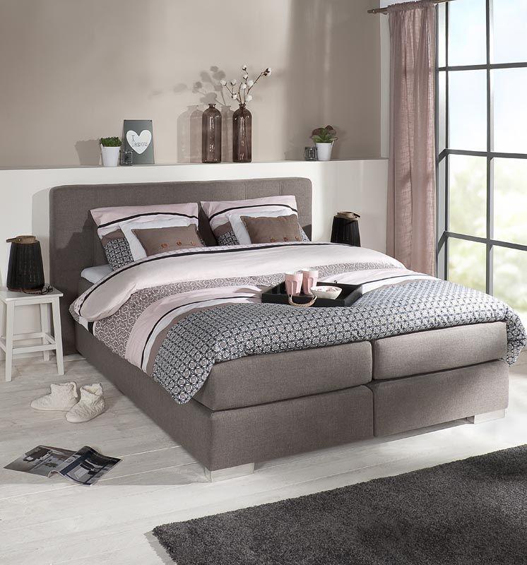 strak en toch ook romantisch deze slaapkamer met boxspring halmstad