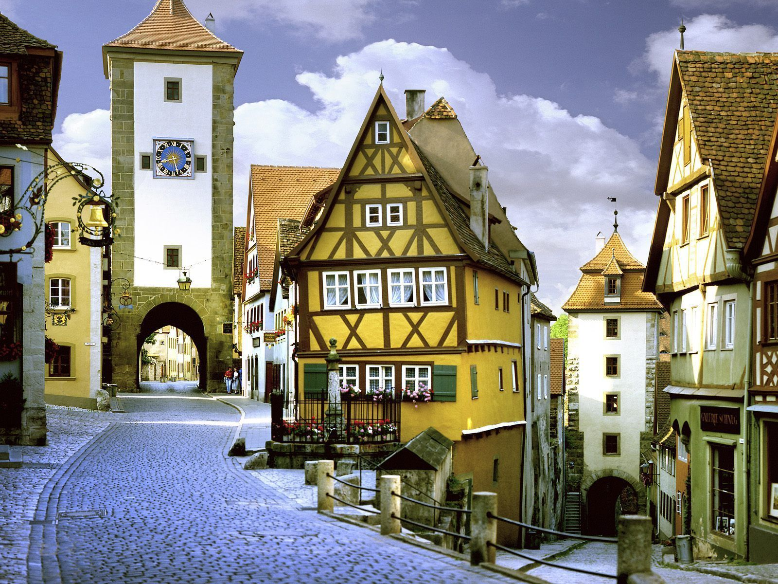 Medieval homes germany knight medieval bavaria for Classic house names
