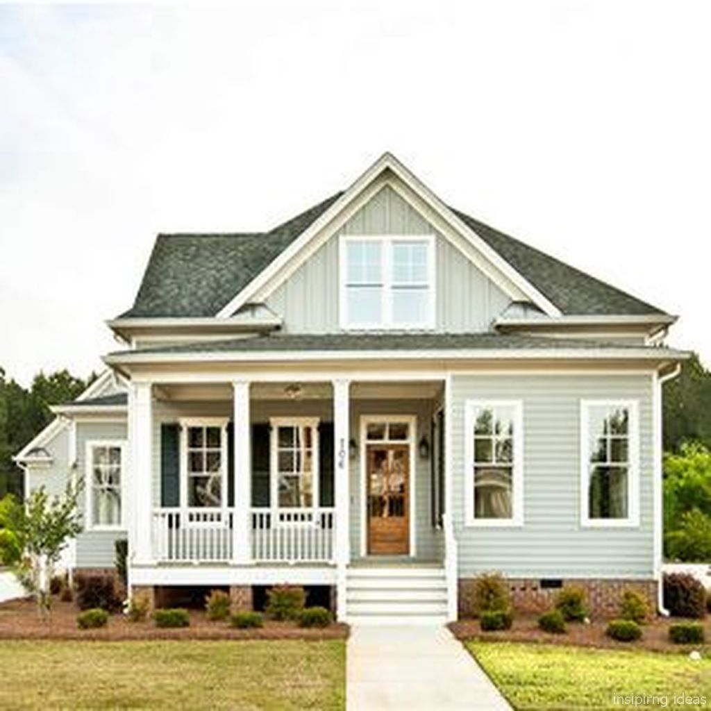 Delorme Designs Awesome Bungalow Craftsman: 80 Awesome Modern Farmhouse Exterior Ideas