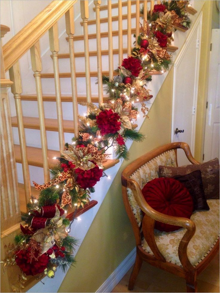 Stairs Christmas Decorating Ideas 29 Christmas Staircase Decor