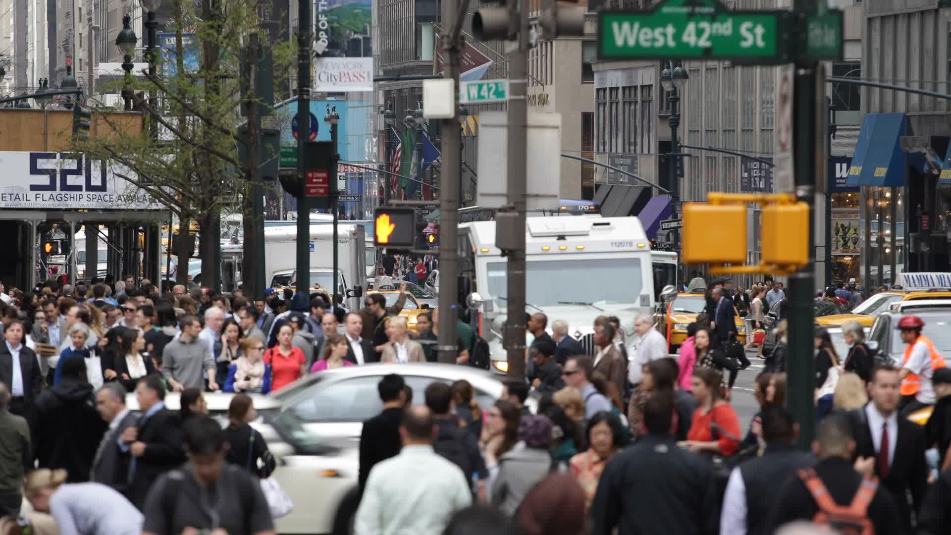 Nyc Busy Street Traffic Crowd Pedestrian People Crossing Street