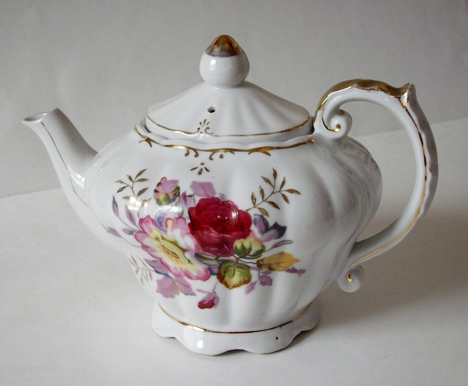 Making Tea In A Teapot Vintage Musical Teapot 1960s Tilso Made In Japan A Spot