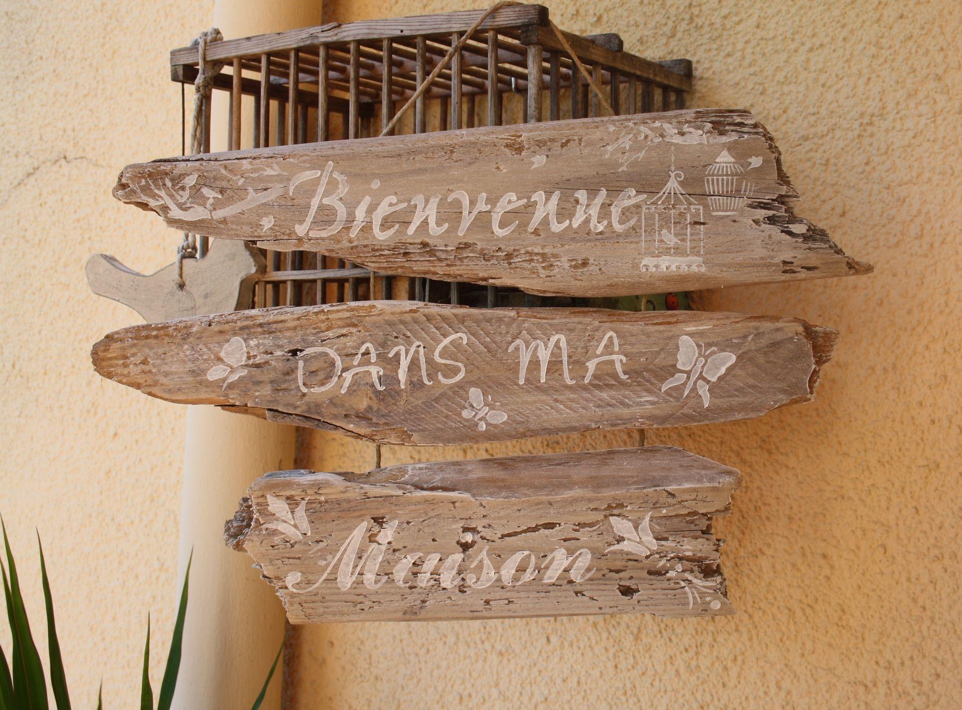 Bienvenue dans ma maison sur trois bois flott for Trouver bois flotte
