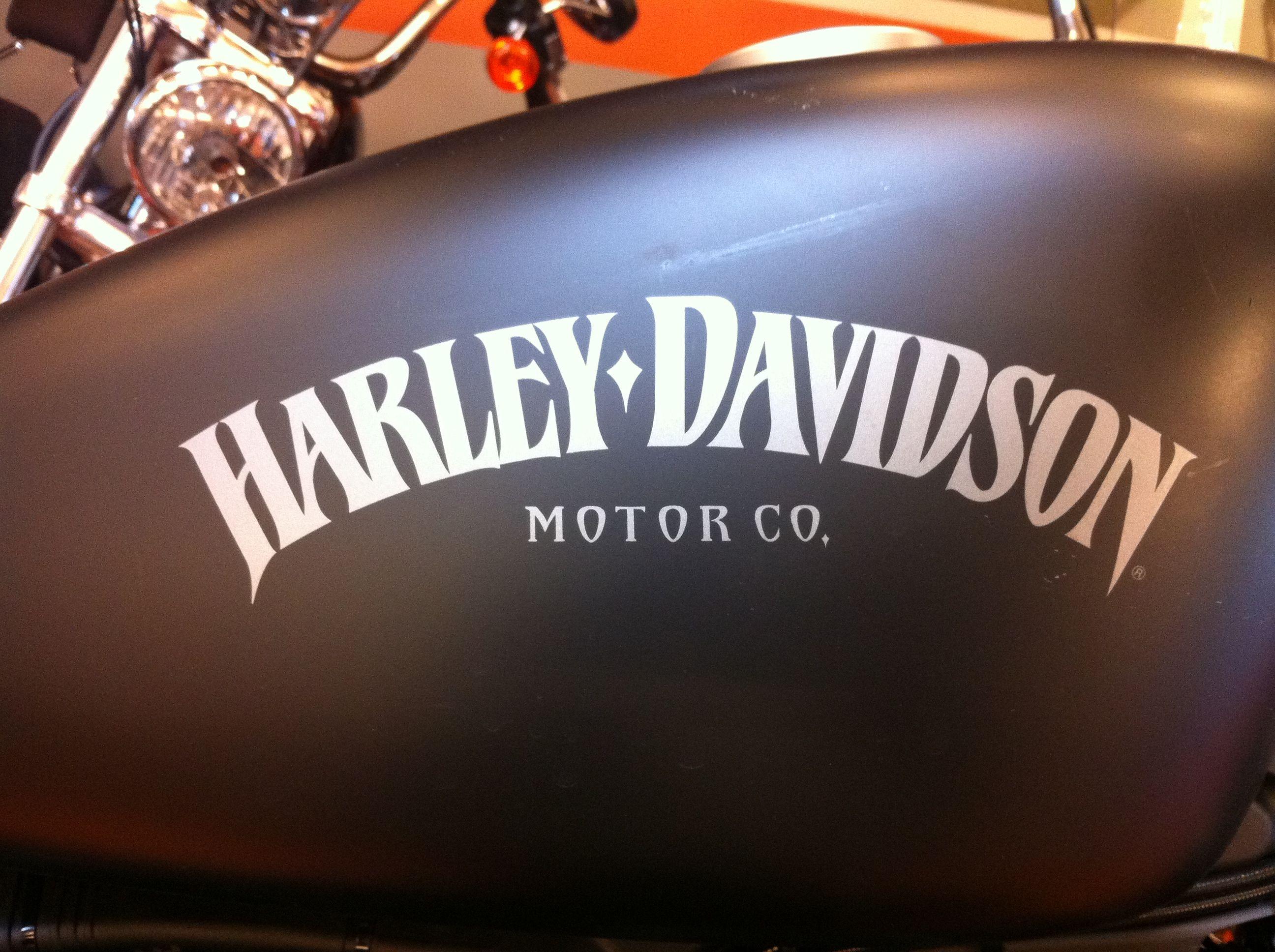 r servoir harley noir mat harley davidson customis es pinterest harley davidson. Black Bedroom Furniture Sets. Home Design Ideas