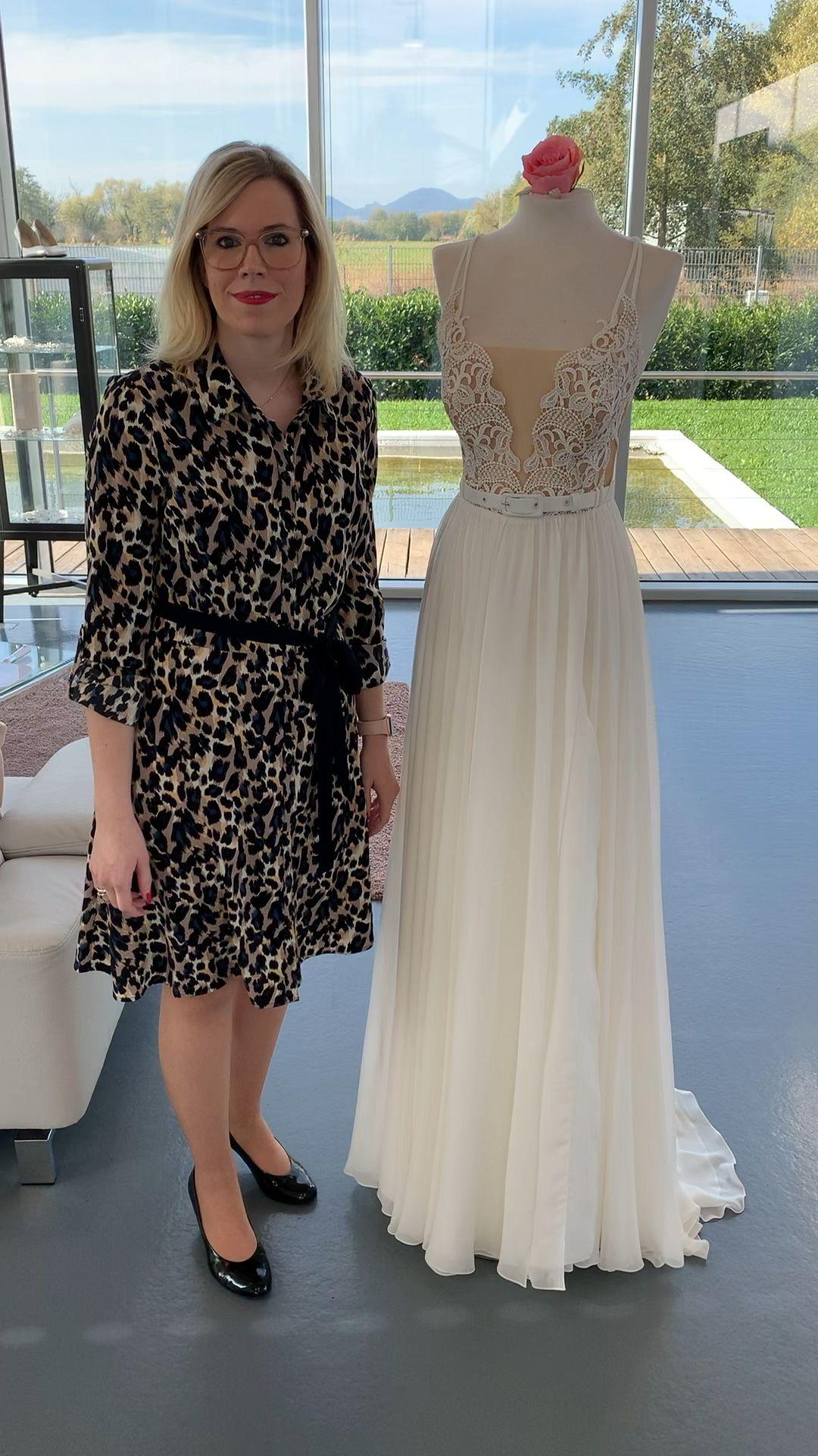 Brautkleid Opus61 Video Brautmode Kleid Hochzeit Braut Und Abendmode