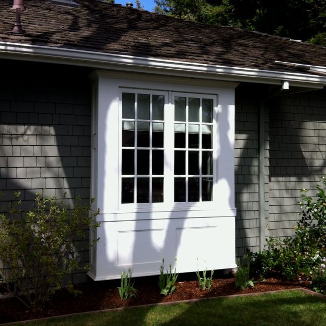 Box bay window this is what ours would look like with the for Bay window design ideas exterior
