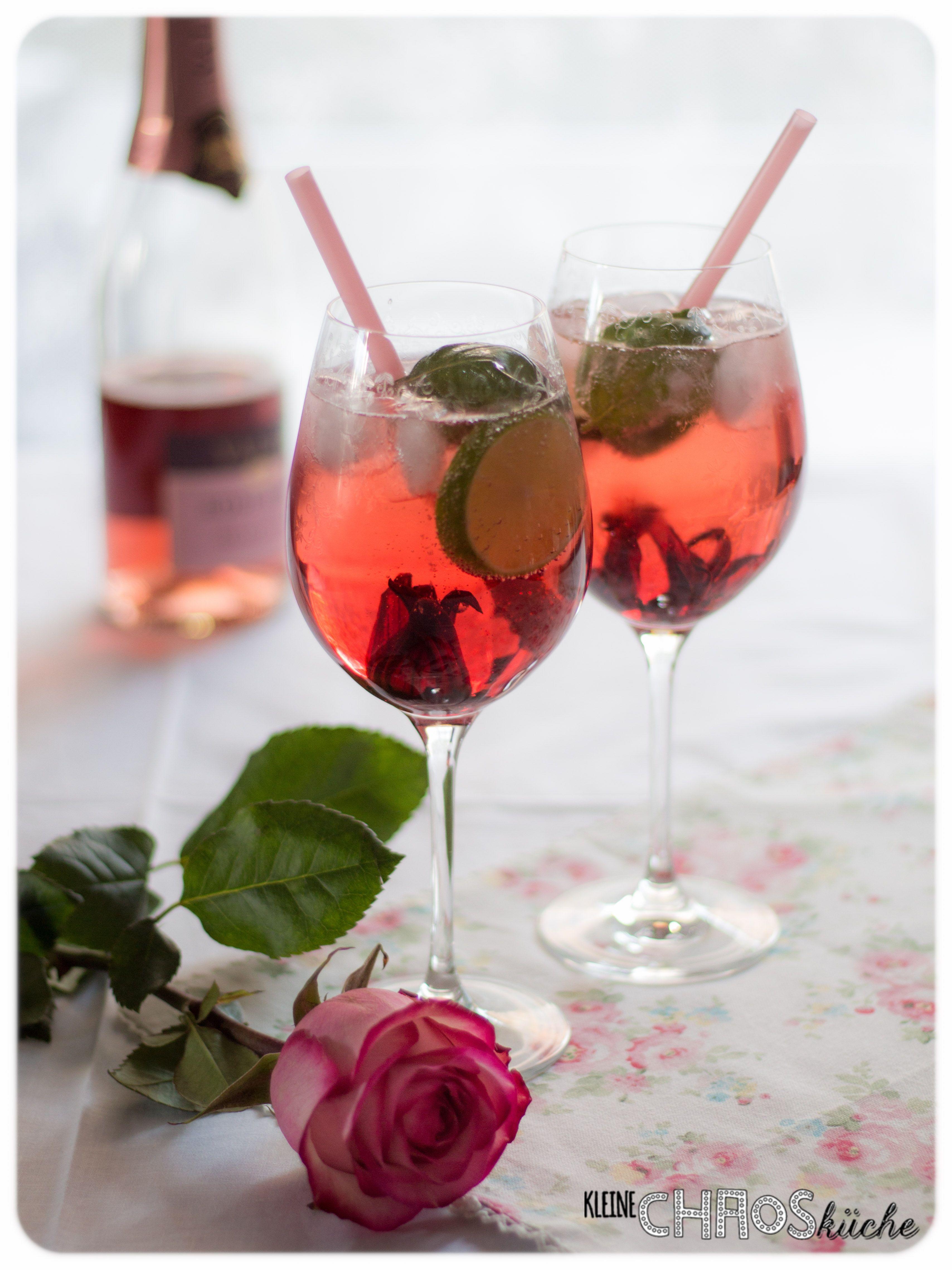 aperitif steirer spritz prosecco rose ramazzotti aperitivo rosato basilikum limette hibiskus. Black Bedroom Furniture Sets. Home Design Ideas