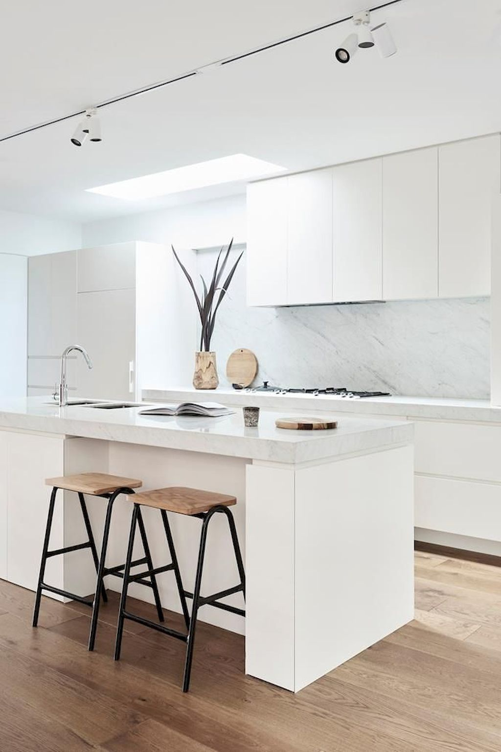 Minimalist Kitchens with Timeless Decoration #minimalistkitchen