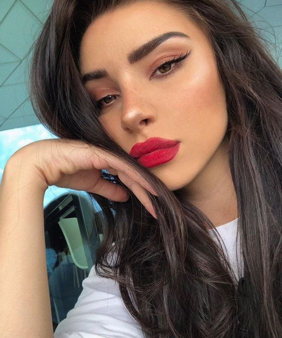 15 Sexy Valentine's Day Makeup Ideas For A Glam Look