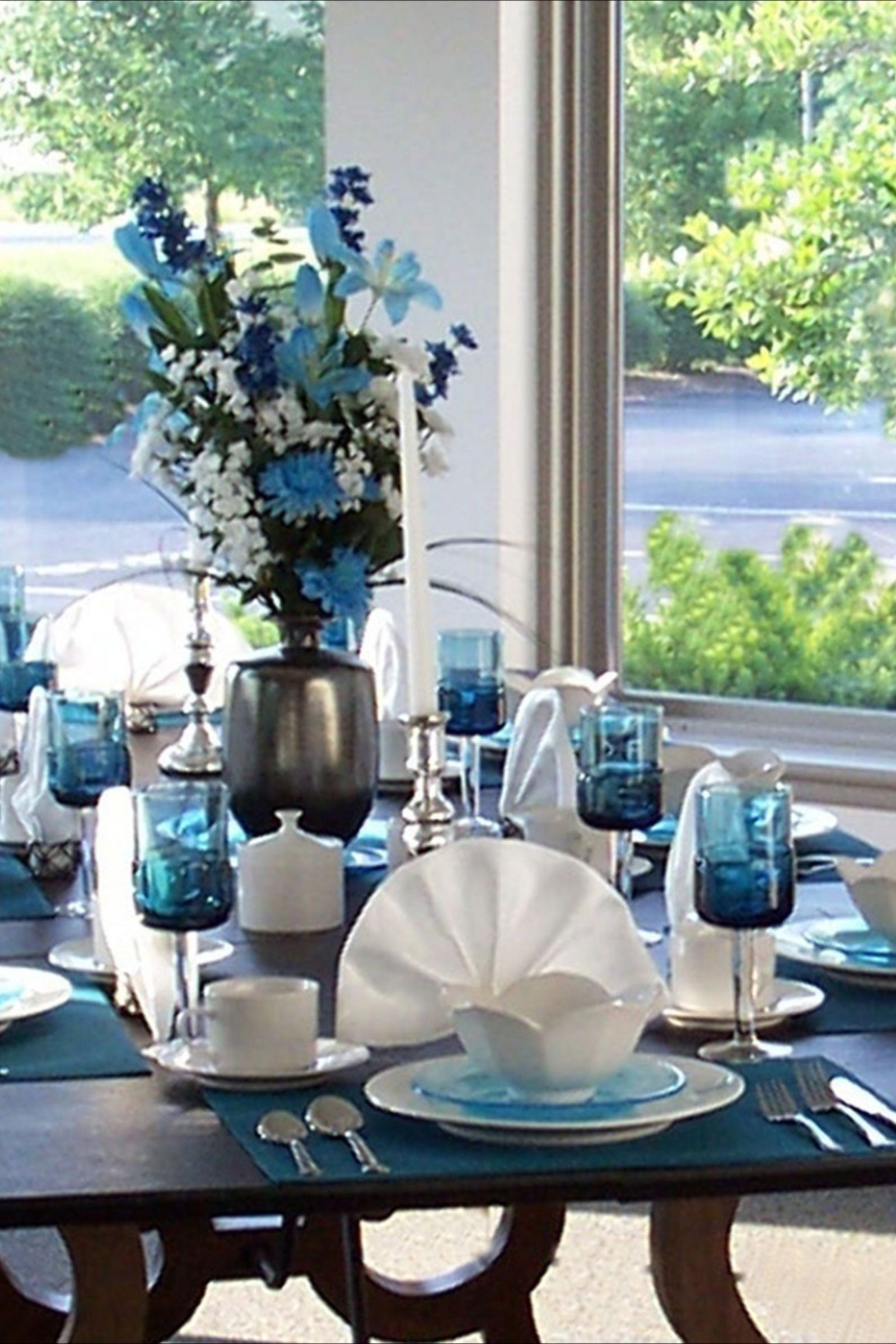 Stylish Table Setting Stylish Table Setting Modern Dining Room Table Centerpiece Dining Room Table Centerpieces