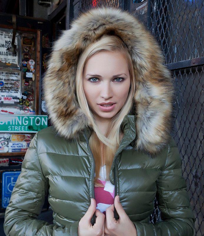 Flickr Fur Clothing, Nylons, Puffy Jacket, Suit Jacket, Top Gun, Jackets 44004ea635