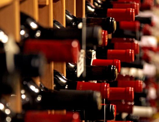 Bajan ligeramente las exportaciones mundiales de vino  http://diariodegastronomia.com/vinoteca/vinoteca/16696-bajan-ligeramente-las-exportaciones-mundiales-de-vino-.html vía @DGastronomia
