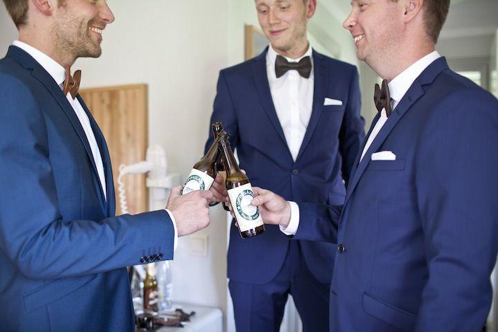 T J's DIY, Vintage Inspired Swedish Wedding. By Fotografmatlida