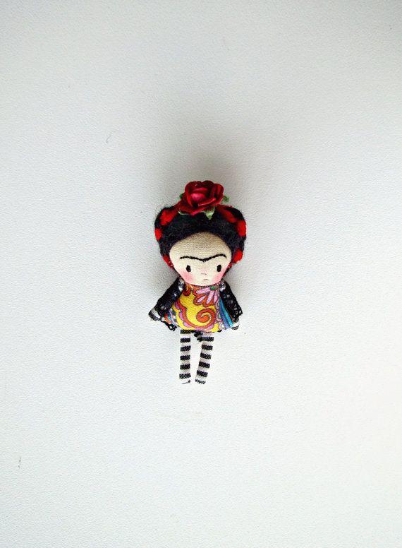 Pingente Minidoll com casinha Frida by Anacardia on Etsy