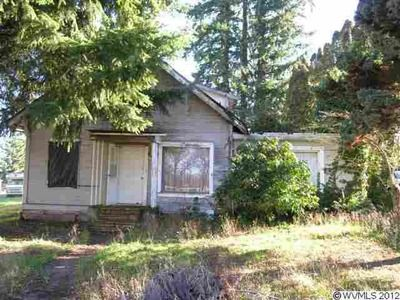 514 N Church St Silverton Or 97381 Zillow Outdoor Structures Outdoor Oregon