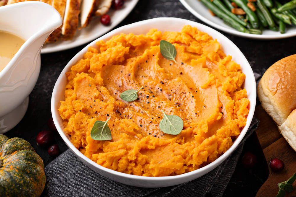 طريقة عمل البطاطا المهروسة للأطفال Mashed Sweet Potatoes Sweet Potato Recipes Mashed Maple Sweet Potatoes