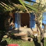 Au sein d'un lotissement au calme, cette maison jumelée bénéficie d'un double séjour avec cheminée offrant un joli jardin avec ..