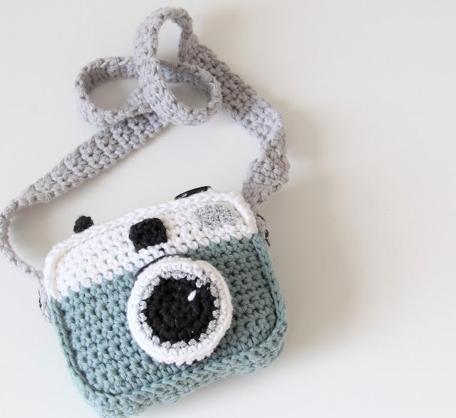 Crocheted camera (free pattern) | I should learn to crochet ...