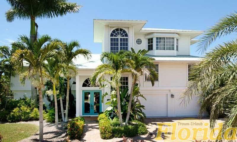 Die Villa Pelican Bay 1 erbaut im Key West Stil ist