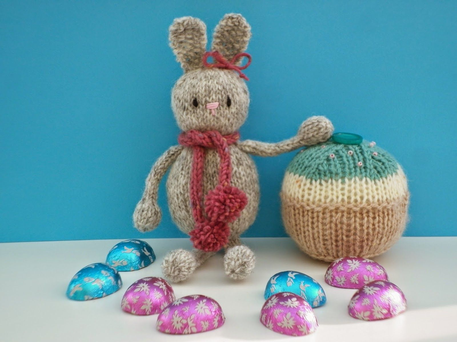 Knitting Easter Bunnies : The wool nest a free knitting pattern knitted easter bunny