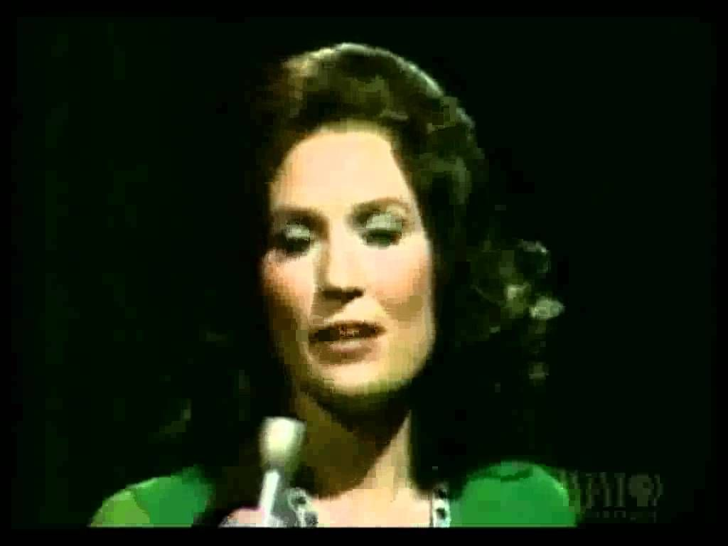 Loretta Lynn - Coal Miner's Daughter (with lyrics)