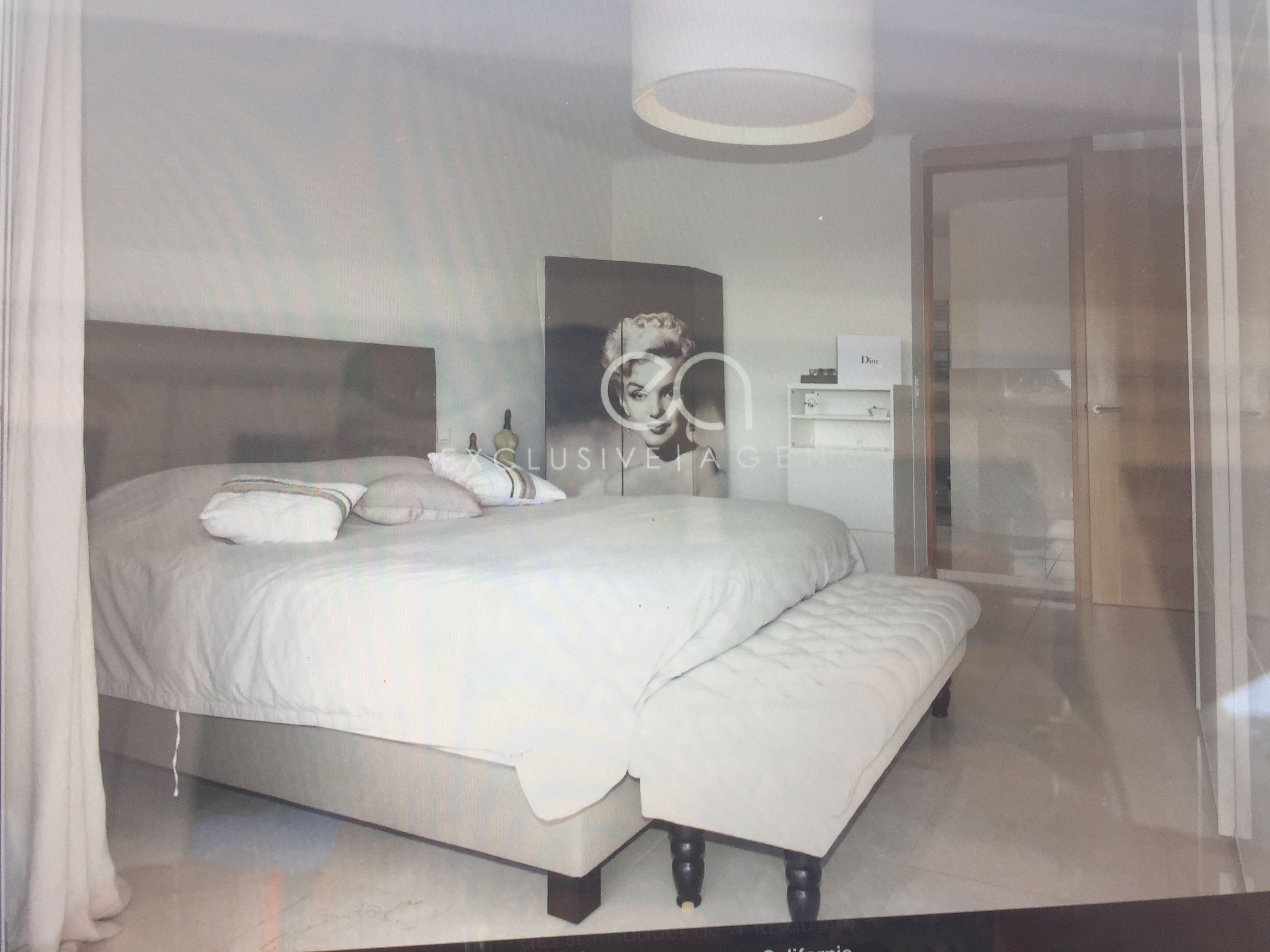 Bedroom interior hd pics pin by evelyne hd on interior pyjama lounge  pinterest  pyjamas