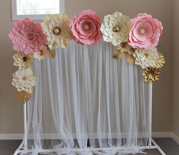 Milanas paper flowers set. Amazing set for your celebration. It covers perfectly our stand and its 6 feet long. 5 giant - 22 inch 3 medium - 12-15 inch 4 small - 11-10 inch 5 leaves for free