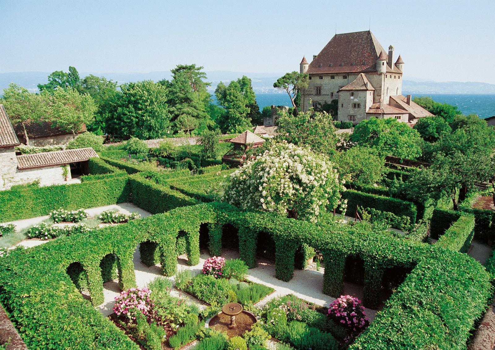 Photos Du Jardin Avec Images Yvoire Haute Savoie Jardin Medieval
