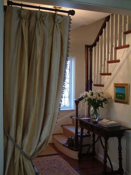 Come In Adorning The Entry Of A Room With Elegantly Draped