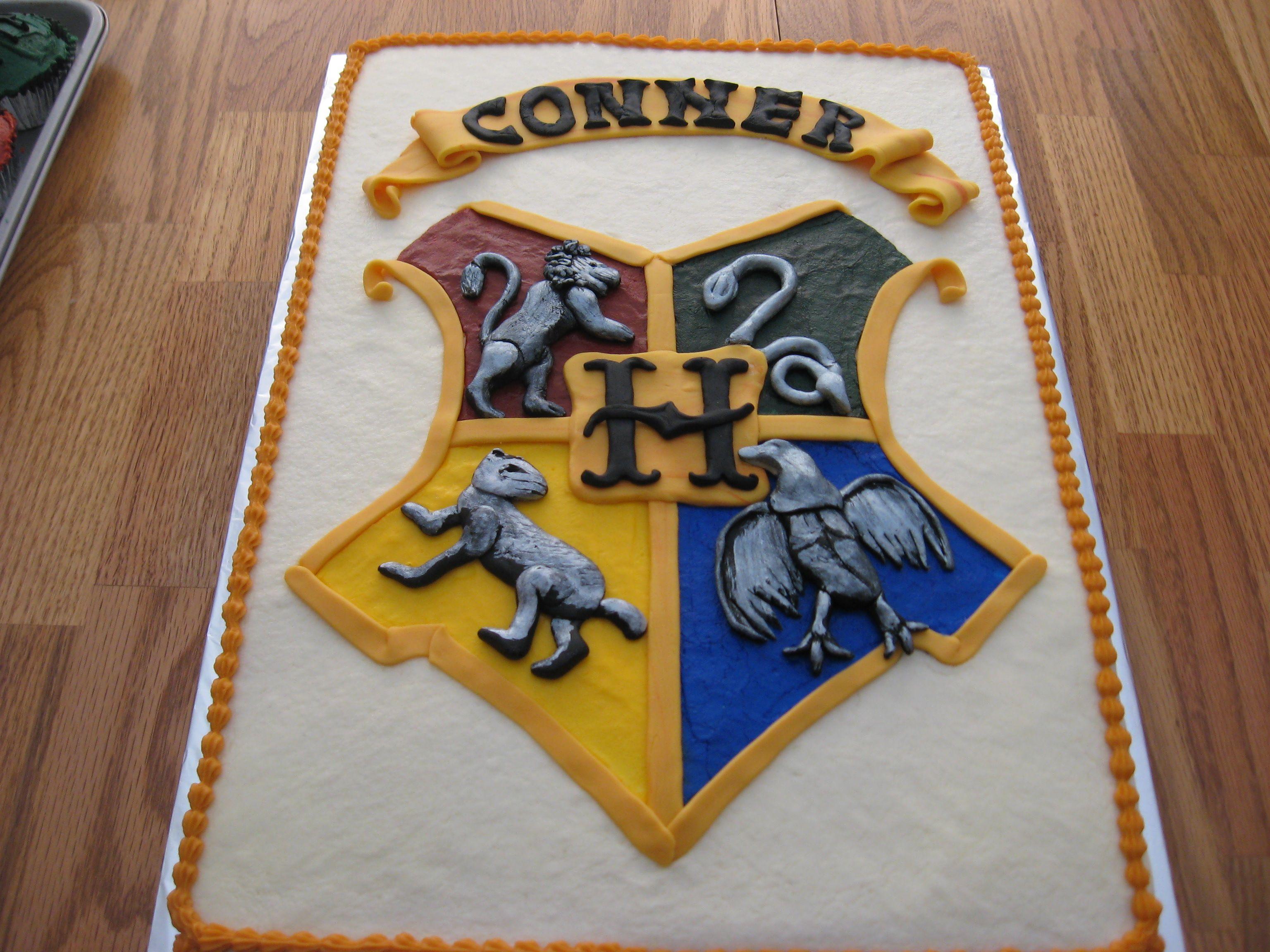 Hogwarts Crest Cake I Made This Cake After Being