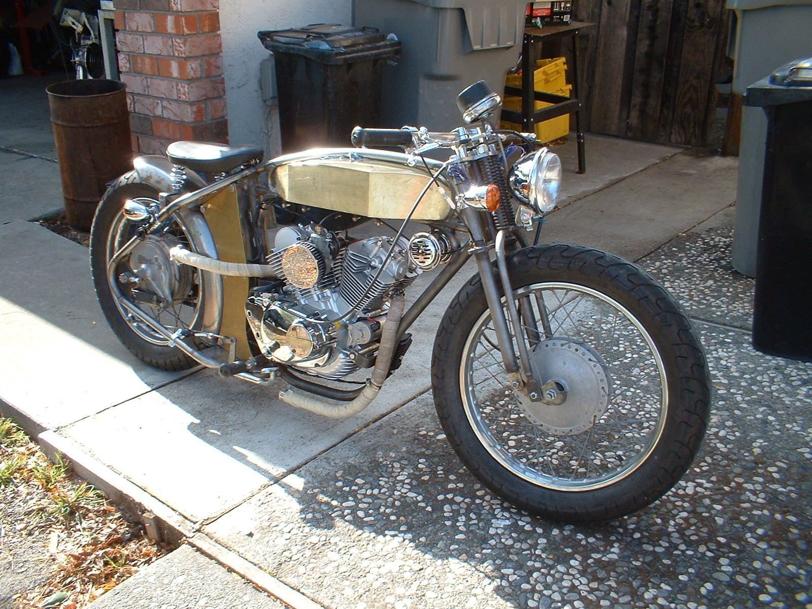 Board tracker moto pinterest chinese motorcycles for Yamaha motorcycles made in china