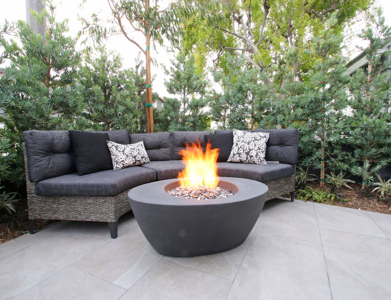 outdoor living room | Fire pit bowl, Fire bowls, Fire pit on Living Room Fire Pit id=75987