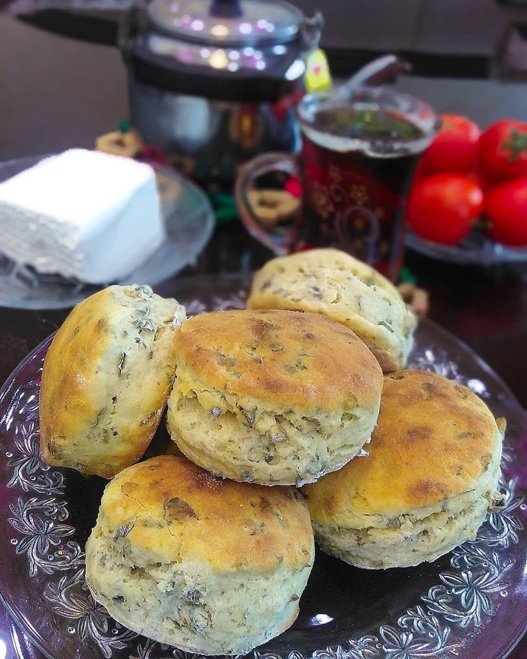 مطبخ بيان On Instagram لااااااايك بليييييززز وصفة بسكويت البترميلك أو Buttermilk Biscuits أو الكعكات مع إضافة أوراق Cuisine Food Hamburger Bun