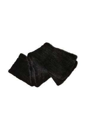Stylenanda 优雅纯色貂皮围巾优雅纯色貂皮围巾 - 简约纯色 - 优雅貂皮 - 时尚百搭仅黑色一种颜色,喜欢的MM们机不可失哦^^