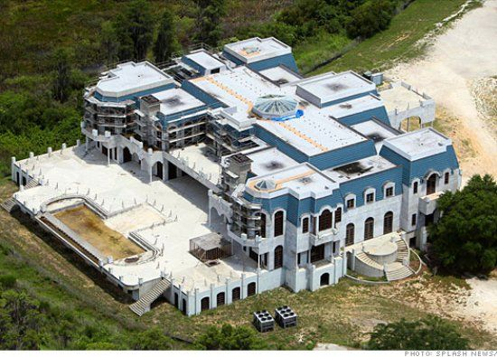 America S Biggest House Is On The Block Houses In America Abandoned Mansion For Sale Big Houses