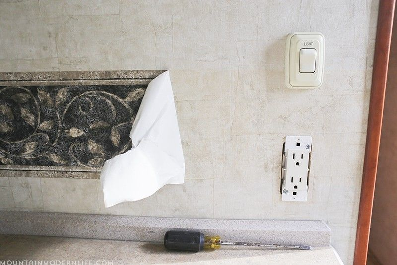 Ready To Remove The Outdated Wallpaper Border In Your Rv Removable Wallpaper Wallpaper Border Peel Off Wallpaper