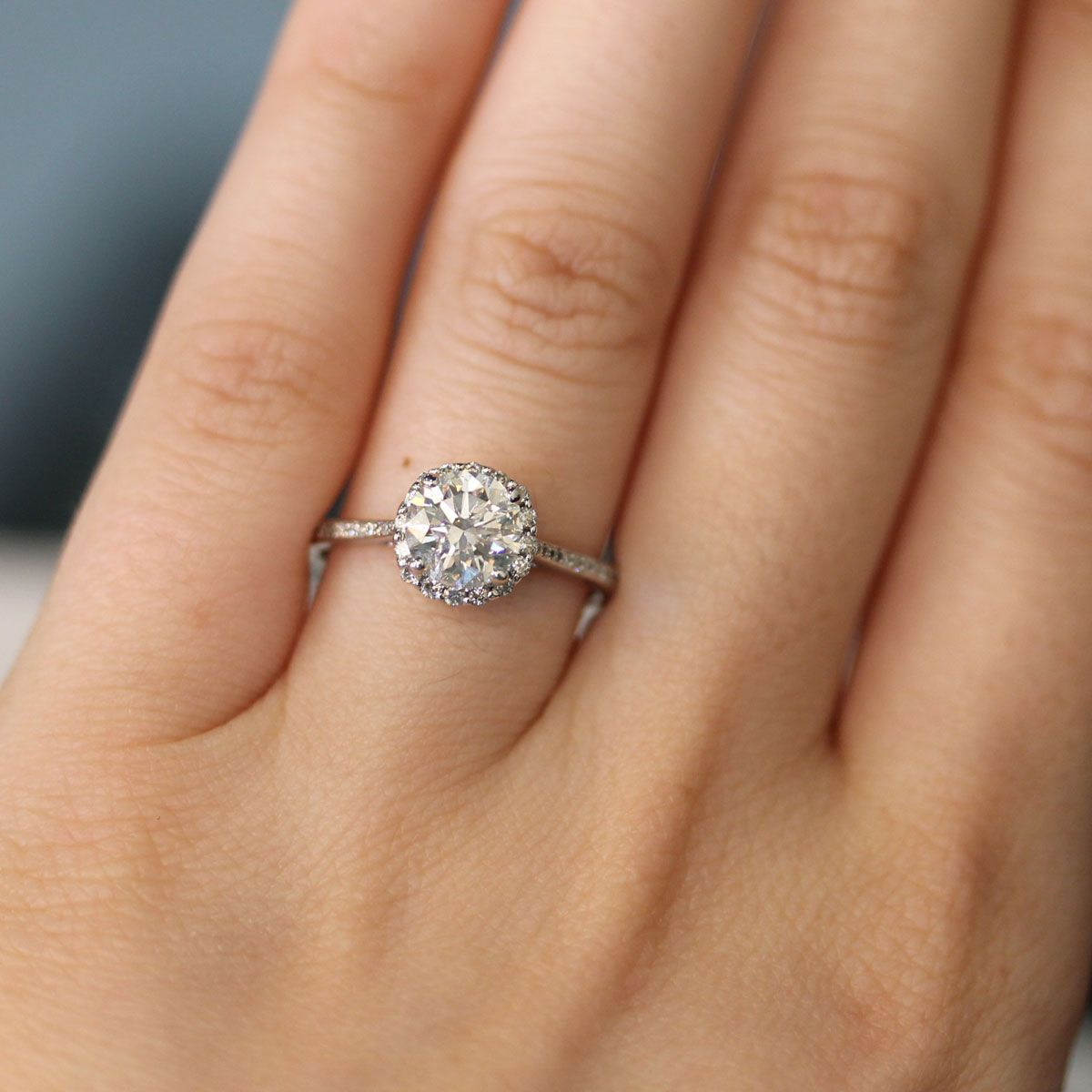 What's The Difference Between EGL and GIA? Engagement