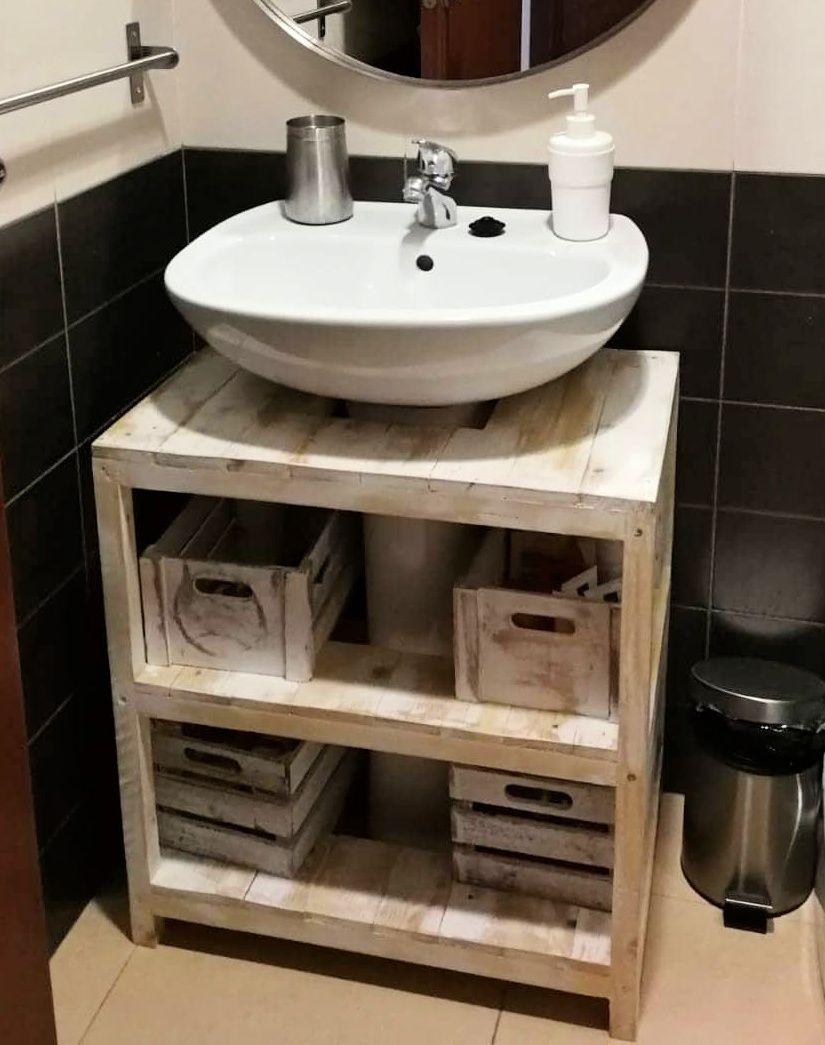 Un mueble con palets rústico para el lavabo  I Love Palets