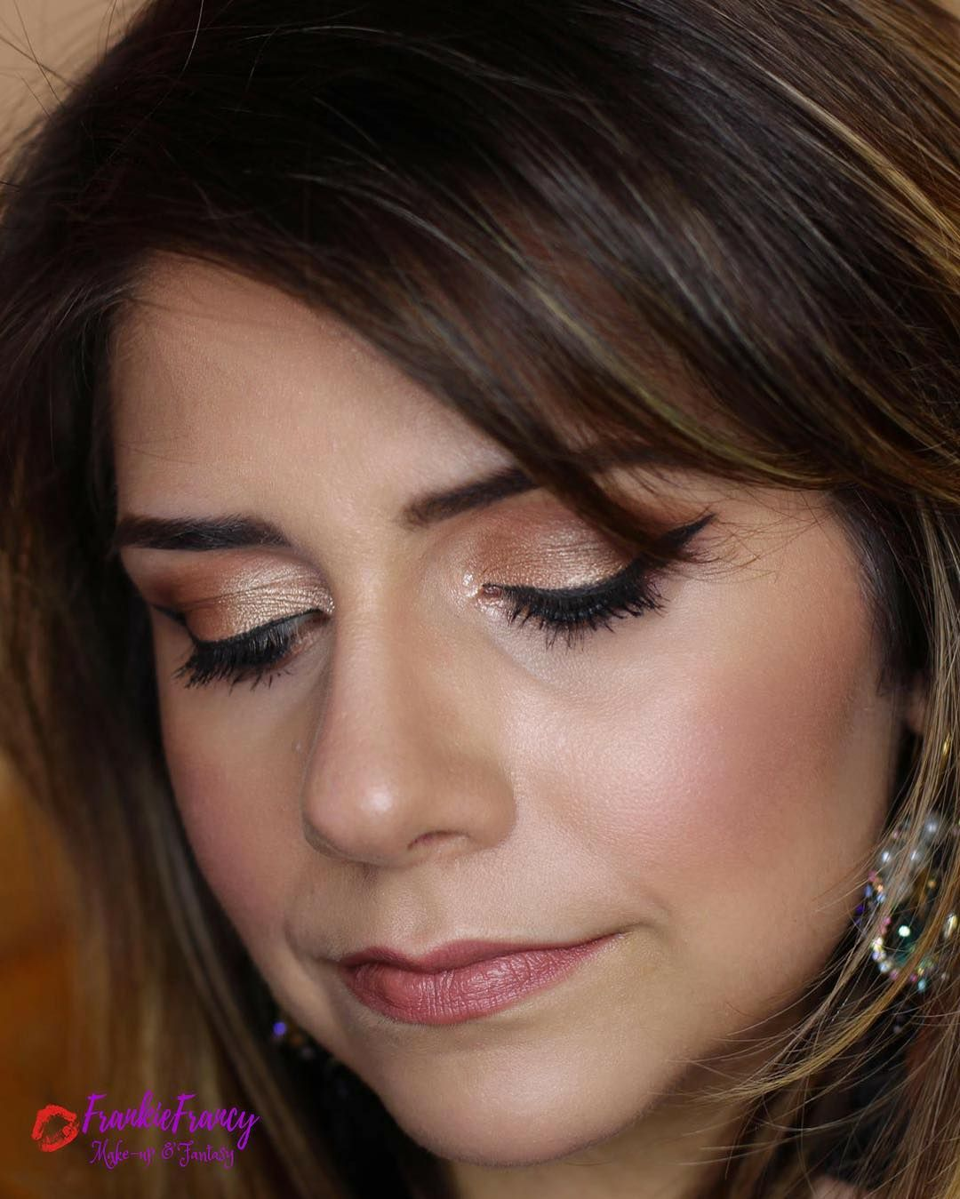 Glam WEDDING GUEST makeup tutorial ideal for fall. Step by
