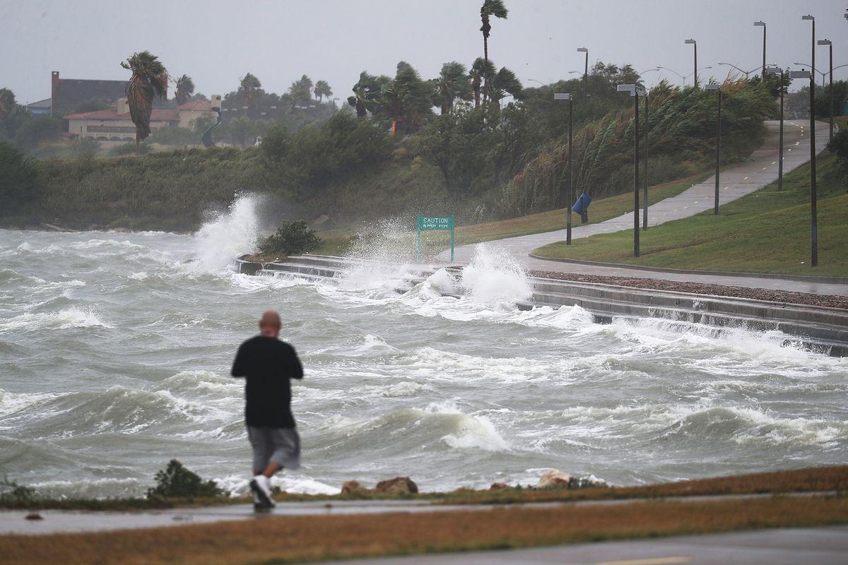 Before Hurricane Harvey, wireless carriers lobbied against