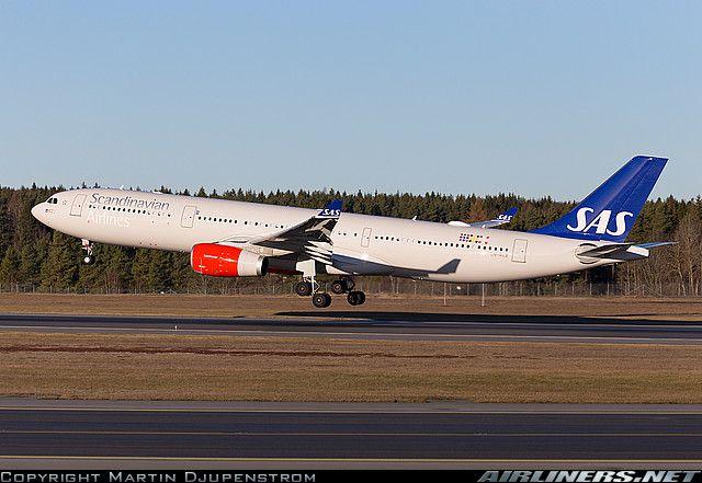 Scandinavian Airlines (SAS) Airbus A330-343