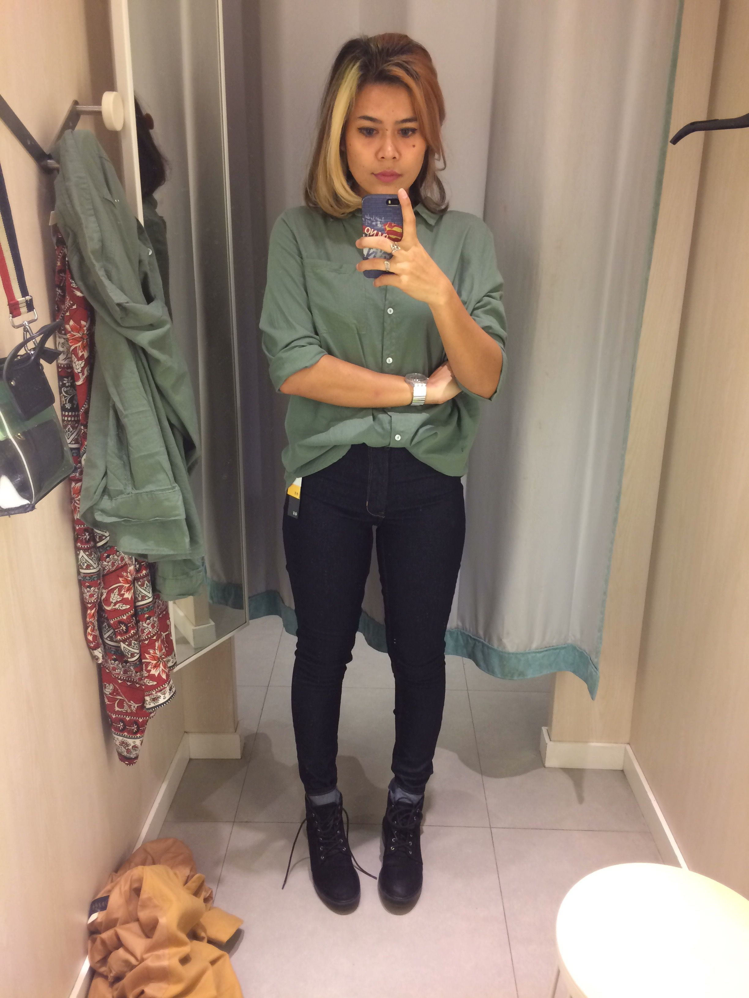 Fitting Room Selfie : fitting, selfie, Fitting, #changingroom, #style, #fashion, #casual, Fashion,, Daily, Fashion, Advice