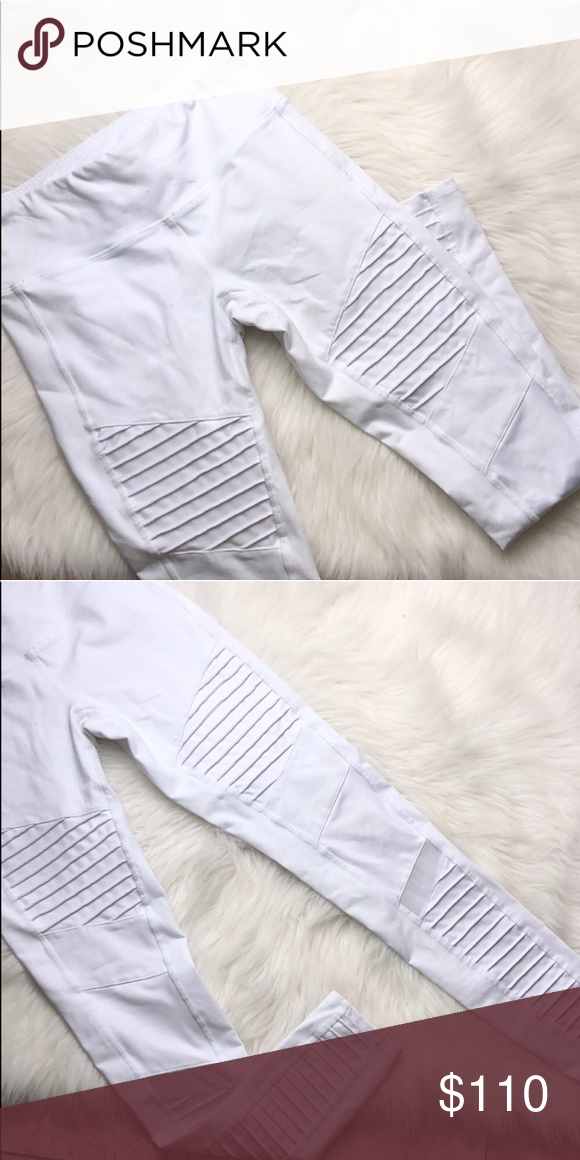 f0db97435ca80 ALO YOGA WHITE MOTO LEGGINGS SMALL Contemporary, cute and brand new! No  tags Items