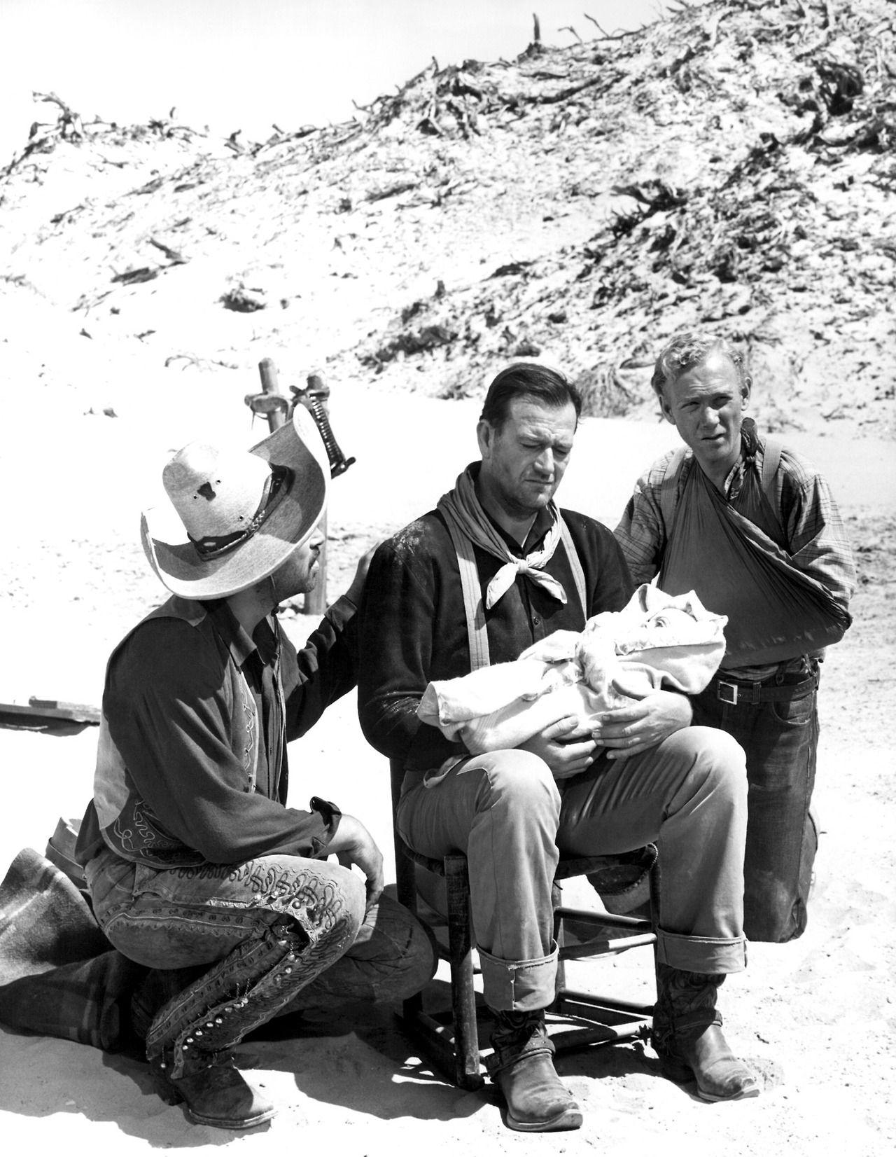"Pedro Armendariz, John Wayne y Harry Carey Jr. en ""3 Padrinos"", 1948 ..."