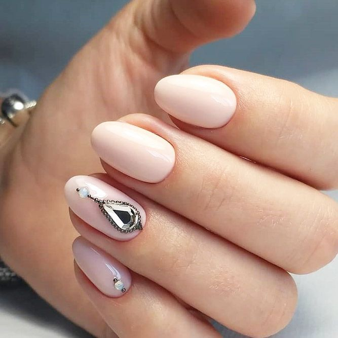 Simple Oval Nail Design #shortnails Explore cute designs for short and long oval  nails. Whether your nails are natural or acrylic, learning how to shape ... - 18 Cute Designs For Oval Nails To Rock Anywhere Nails Pinterest