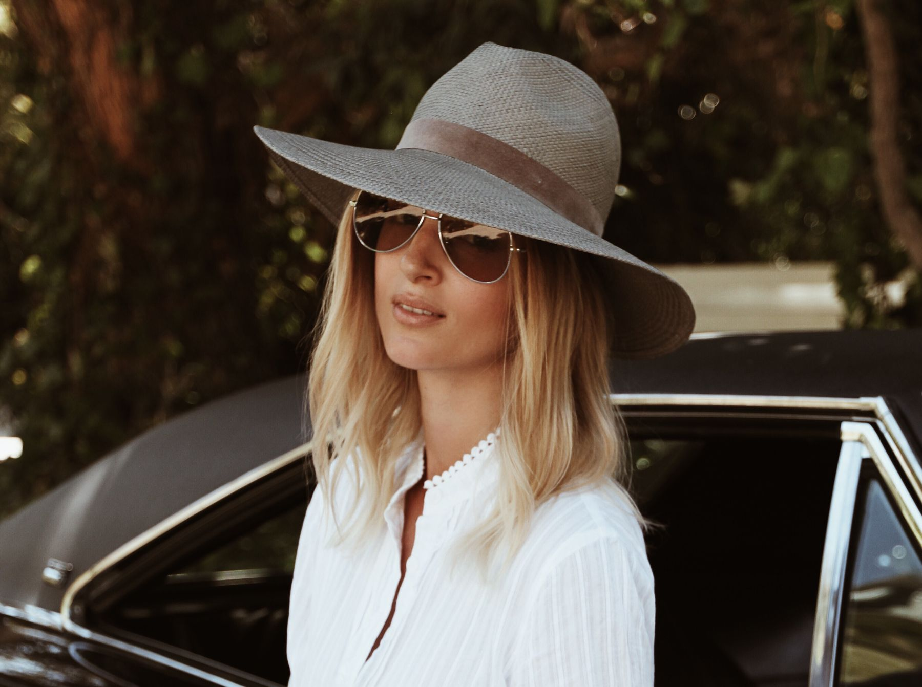 JANESSA LEONE angelica straw hat (or here) ZADIG ET VOLTAIRE white dress    bag ISABEL MARANT ralf suede boots DODGE charger 1970 vintage muscle car ... 2c9e8c4ffae