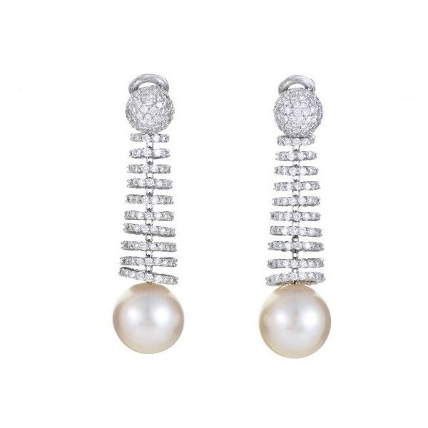 Pre-owned de Grisogono 18K White Gold Diamond & Pearl Clip-On Earrings ($29,000) ❤ liked on Polyvore featuring jewelry, earrings, white gold earrings, white gold diamond earrings, pearl diamond earrings, 18k diamond earrings and pearl clip on earrings