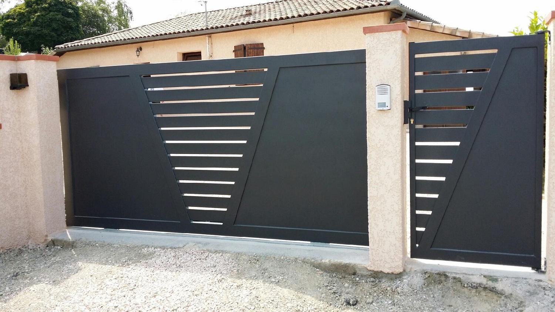 Sas sofermo cr ateur et fabricant de portail sur mesure portique fer forg grille for Fabricant de portail sur mesure